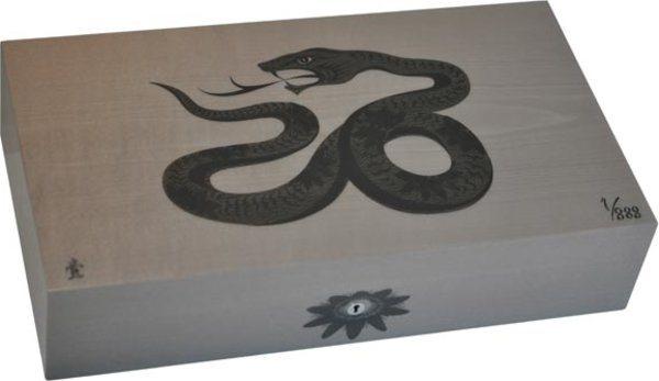 Elie Bleu Sycamore Inlägg Snake begränsad utgåva Humidor Grå